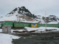 Reportagem exibida pelo programa Domingo Espetacular mostra reconstrução da base brasileira na Antártida