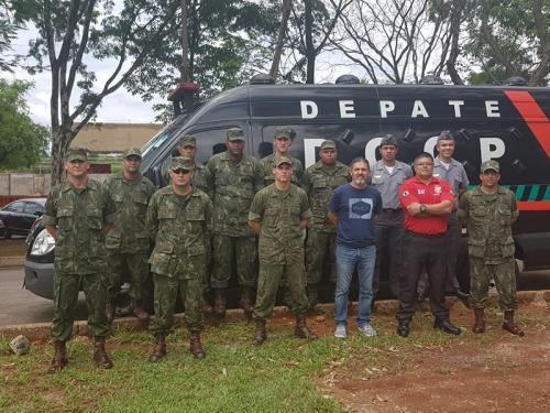 ADSUMUS: Grupamento de Fuzileiros Navais de Brasília (GptFNB)  recebe instrução de noções carcerárias da Polícia Civil do DF