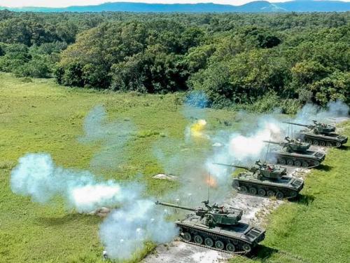 ADSUMUS: Batalhão de Blindados de Fuzileiros Navais (BtlBldFuzNav) realiza adestramento no Centro de Avaliações do Exército (CAEx)