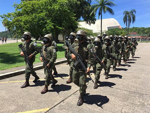 ADSUMUS: Batalhão de Engenharia de Fuzileiros Navais (BtlEngFuzNav) ministra instrução para o Curso de Aperfeiçoamento de Guerra Anfíbia e Expedicionária