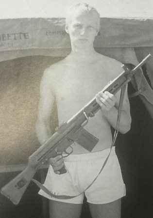 Comandos Navais franceses com fuzis CETME