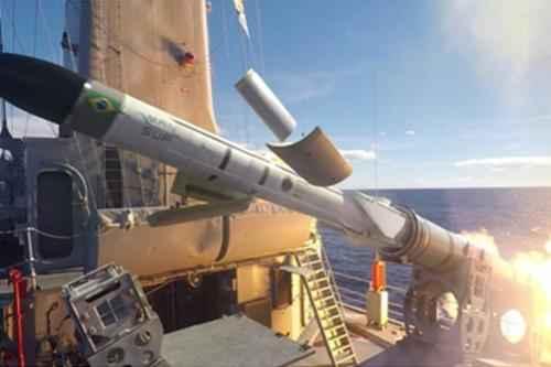 Marinha do Brasil lança terceiro protótipo do Míssil Antinavio de Superfície (MANSUP)