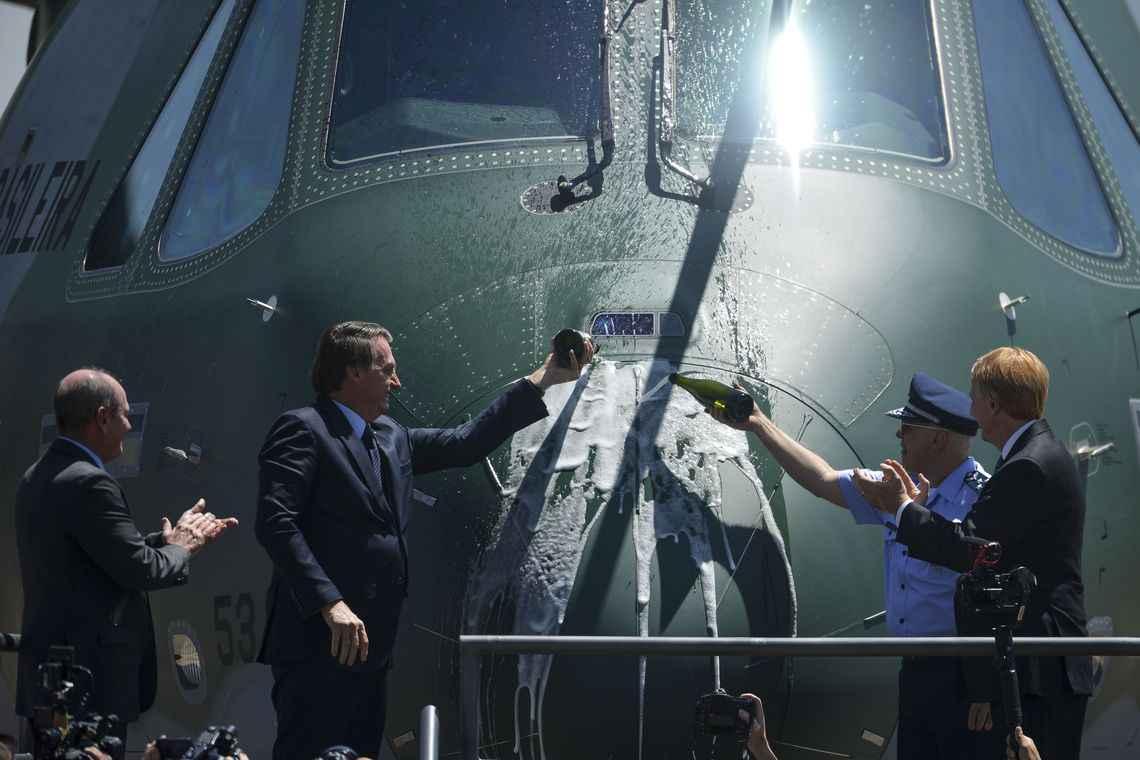"""Plano Brasil/MD/FAB/EMBRAER/Análise: """"Força Aérea Brasileira (FAB) incorpora a sua primeira aeronave de transporte multimissão KC 390"""""""