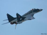 O Mig 29K é a aposta atual para substituição dos caças Su- 33 embarcados, A aeronave multifunção cobre as funções de caça de superioridade aérea e ainda possui capacidade de ataque naval e à superfície.