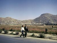 Série de fotos mostra como era a vida no Afeganistão dos anos 60, antes das guerras e do Talibã